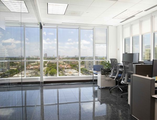 Suntrust Center - Sublease Suite 1000